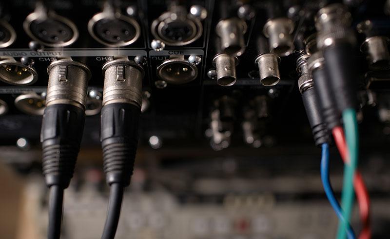 Instalare echipamente profesionaleSunet, Lumini, Video
