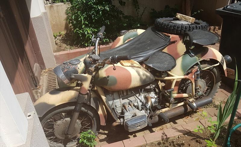 Inchiriere Masini de epoca motocicleta militara atas