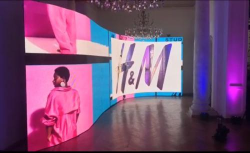 Inchiriere LED Screen Led Screen curb eveniment H&M